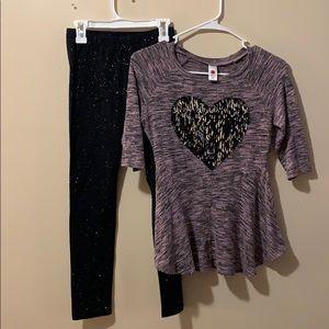 Girls Medium 10-12 outfit leggings & sweater EUC